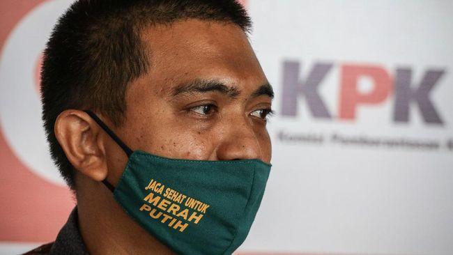 Para calon pecatan KPK belum mencari pekerjaan atau berhubungan dengan pihak lain, seraya menegaskan masih berstatus sebagai pegawai KPK hingga 30 September.