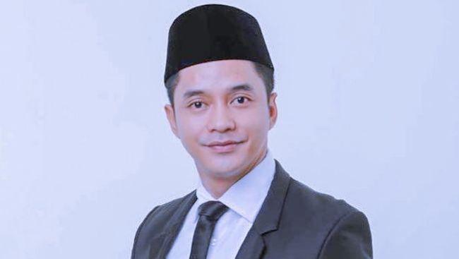 Adly Fairuz maju sebagai calon Wakil Bupati Karawang 2020, dia dikenal sebagai bintang film di sejumlah judul yang pernah naik daun.