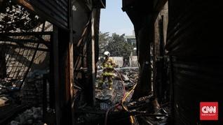 FOTO: Puing-puing Kebakaran Pasar Cempaka Putih Jakarta