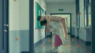 Panduan Tentang Jeli dalam The School Nurse Files