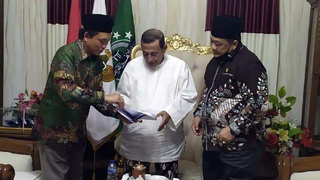 BPH Migas bersama anggota DPR Komisi VII mengunjungi Watimpres Habib Muhammad Luthfi Bin Yahya di Pekalongan terkait proyek gas bumi Cisem.
