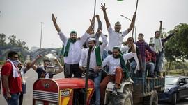 Petani India Demo Blokir Jalan Protes UU Untungkan Swasta