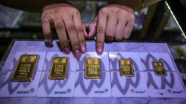 Harga emas Antam turun Rp4.000 ke level Rp952 ribu per gram pada Kamis (28/1).
