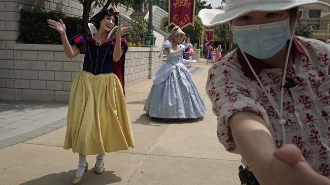 Taman hiburan Disneyland di California telah ditutup sejak Maret. Pada akhir ini salah satu areanya bakal disulap menjadi tempat vaksin Corona.