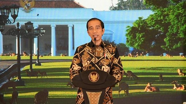 Saat membuka ratas penanganan Covid-19 dan pemulihan ekonomi nasional, Presiden Jokowi meminta pembuatan rencana produksi vaksin dalam dua minggu ke depan.