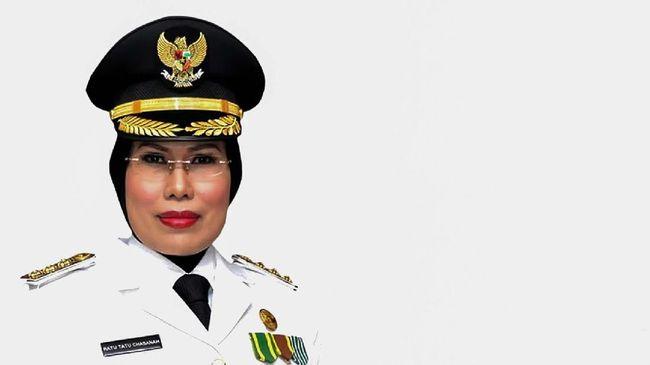 Calon petahana Pilkada Kabupaten Serang Ratu Tatu Chasanah memenuhi panggilan Bawaslu Banten terkait dugaan pelanggaran kampanye.
