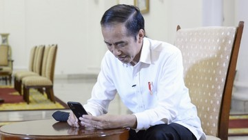 Permintaan Jokowi agar masyarakat aktif mengkritik menjadi sorotan masyarakat karena dihadapkan dengan fenomena ancaman buzzer dan jerat pidana UU ITE.