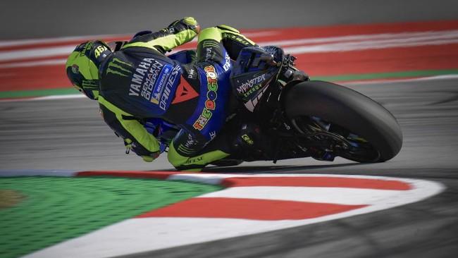 Tiga pembalap Yamaha: Franco Morbidelli, Fabio Quartararo, dan Valentino Rossi akan memulai balapan MotoGP Catalunya 2020 dari baris depan.