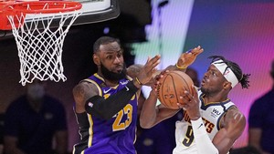 FOTO: LeBron James Gemilang, Lakers ke Final NBA