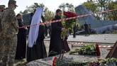 Sedikitnya 22 orang termasuk taruna militer tewas dan dua lainnya terluka parah pada hari Jumat (25/9) ketika sebuah pesawat angkatan udara Ukraina jatuh.