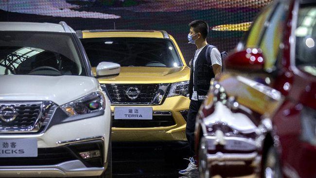 Kemenperin mengusulkan keringanan pajak daerah untuk sektor otomotif selain pajak nol persen untuk mobil baru.