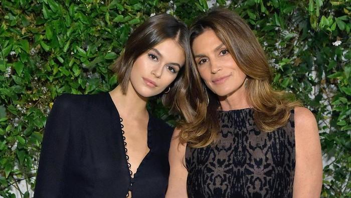 Seperti Kembaran! 6 Putri Selebriti Hollywood Mirip Seperti Ibunya