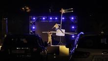 FOTO: Menanggap Sirkus dari Balik Kemudi