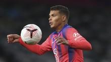 Debut Thiago Silva di Liga Inggris: Kapten, Blunder, dan Seri