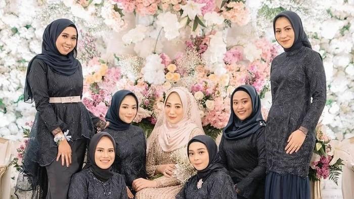 7 Warna Dress Bridesmaid yang Paling Sering Dipakai Hijabers