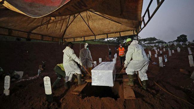 Wakil Gubernur DKI Jakarta, Ahmad Riza Patria, menyatakan warga tidak perlu khawatir kekurangan lahan makam bagi korban Covid-19.