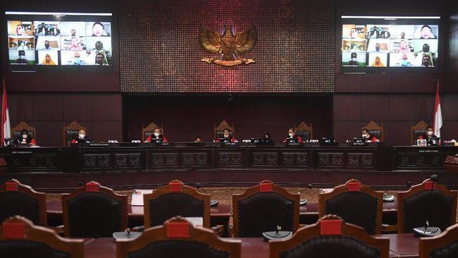 MK menghapus wewenang menteri keuangan untuk menunjuk ketua dan wakil ketua Pengadilan Pajak karena berpotensi mengganggu independensi.