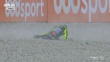 VIDEO: Detik-detik Rossi Jatuh di MotoGP Catalunya 2020