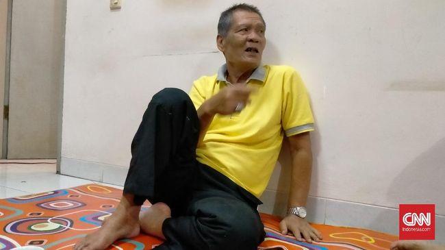 Tito Zeni Asmara Hadi pernah mengalami kerugian besar, membuatnya hendak menjual surat cerai dan nikah asli dari Inggit Garnasih dan Presiden Sukarno.