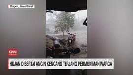 VIDEO: Hujan Disertai Angin Kencang Terjang Bogor & Tangerang