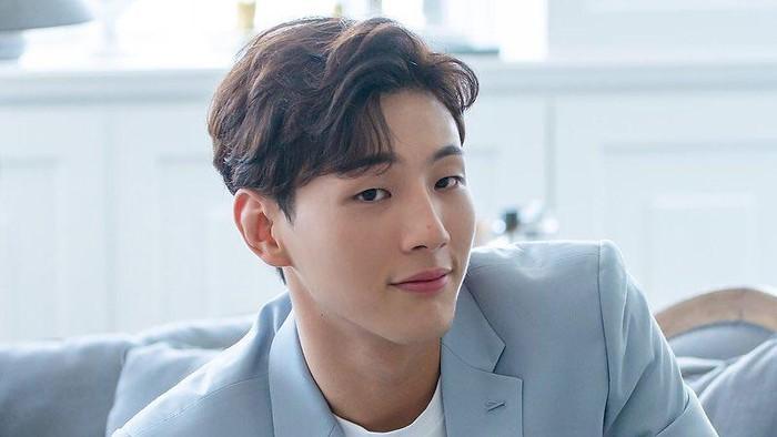 8 Karakter dalam Drama yang Diperankan Aktor Tampan Ji Soo