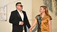 """<p>Merayakan ulang tahu pernikahan pertama mereka, Reza Bukan memberikan caption manis di Instagram-nya. <em>""""I got no caption, but i got love to give you until the end.""""</em> (Foto: Facebook)</p>"""