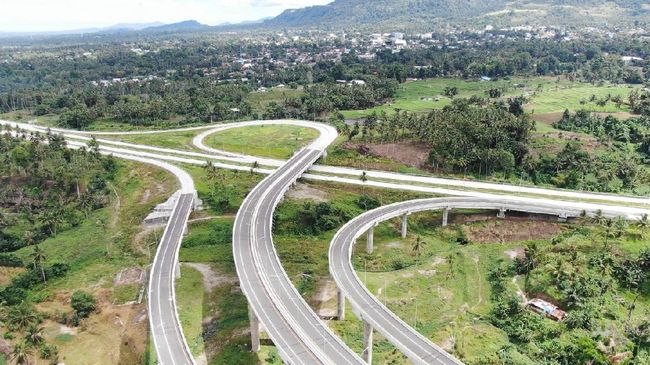 Kementerian PUPR menargetkan membangun 4.817 km jalan tol hingga 2024. Hingga 2019, 2.093 kmn jalan tol sudah terbangun.