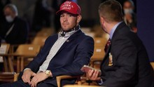 Trump Undang Juara UFC Covington di Debat Capres AS