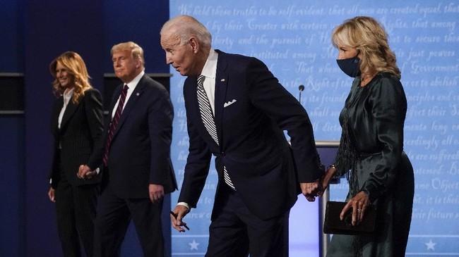 Petahana Donald Trump dari Parati Republik dan capres Partai Demokrat, Joe Biden berhadapan untuk debat perdana di Ohio pada Selasa (29/9) malam waktu setempat.