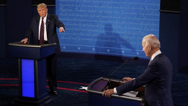 Debat capres AS perdana menjadi kacau usai Trump menghujani Joe Biden, dengan berbagai serangan dan hinaan akibat disebut sebagai presiden terburuk.