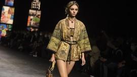 Dior Pakai Kain Endek Bali di Paris Fashion Week