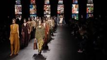 Dior, Katedral, dan Pesona Magis Puisi Visual