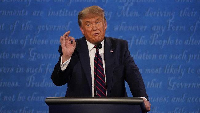 Calon presiden petahana Amerika Serikat, Donald Trump membantah tuduhan bahwa dia menerima uang dari Presiden Rusia Vladimir Putin.