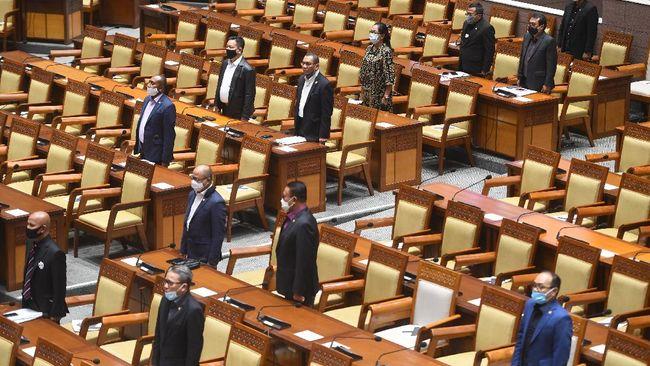 DPR menyetujui rencana pemerintah membentuk Kementerian Investasi, sekaligus menggabungkan Kemenristek dengan Kemendikbud.