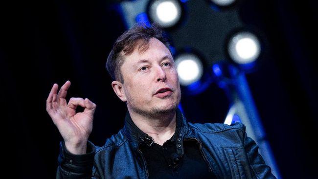 Menurut pernyataan Tesla, Elon Musk meminta tidak digaji sejak Mei 2019 sebab kompensasinya ditentukan berdasarkan hasil performa yang bertahap.