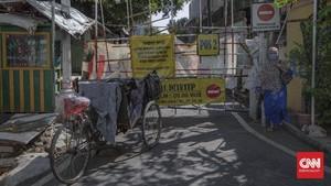FOTO: Mini Lockdown untuk Menahan Laju Penularan Covid