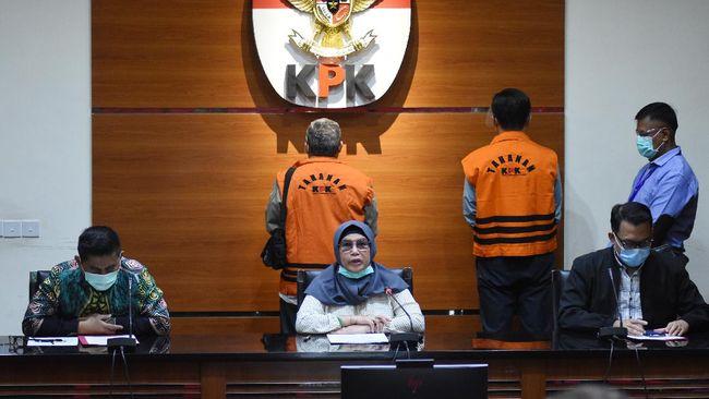 KPK menetapkan dua anggota DPRD Jabar sebagai tersangka dalam kasus korupsi bantuan keuangan Provinsi Jabar untuk Kabupaten Indramayu.