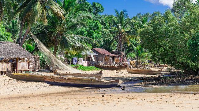 Setelah tutup lebih dari enam bulan akibat pandemi virus corona, sebagian wilayah pulau Madagaskar telah dibuka untuk turis mancanegara.