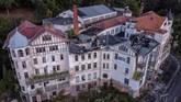 Sisa peninggalan jejak keberadaan Jerman Timur hingga kini masih bisa ditemui setelah 30 tahun bersatu menjadi Jerman.