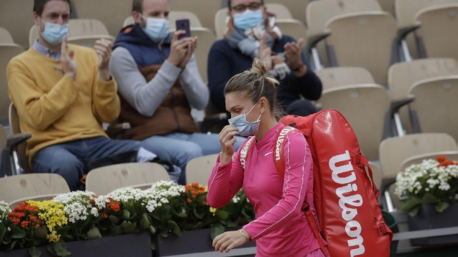 Sejumlah petenis, termasuk Anna Karolina Schmiedlova dan Rafael Nadal, meraih kemenangan di babak kedua Prancis Terbuka 2020.