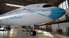 Pesawat Garuda Pakai Masker, Dukung Kampanye Pemerintah