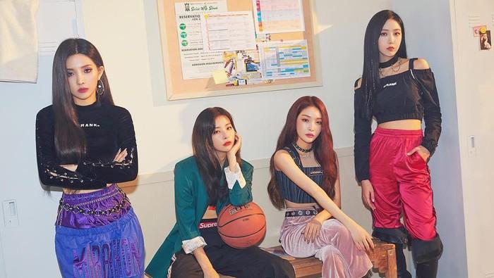 5 Momen Kolaborasi Idol K-Pop Wanita yang Menakjubkan