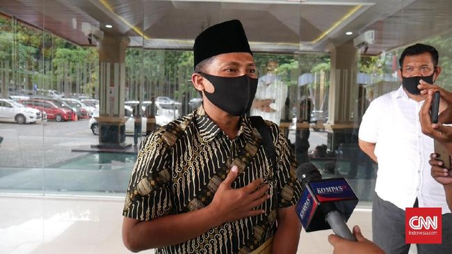 Tersangka pelanggaran protokol kesehatan sekaligus Wakil Ketua DPRD Kota Tegal, Wasmad Edi Susilo, masih mengikuti kunker ke Cimahi, Jawa Barat.
