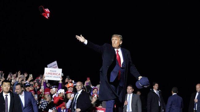Belum Pulih Covid-19, Trump Besok Akan Kampanye di Florida