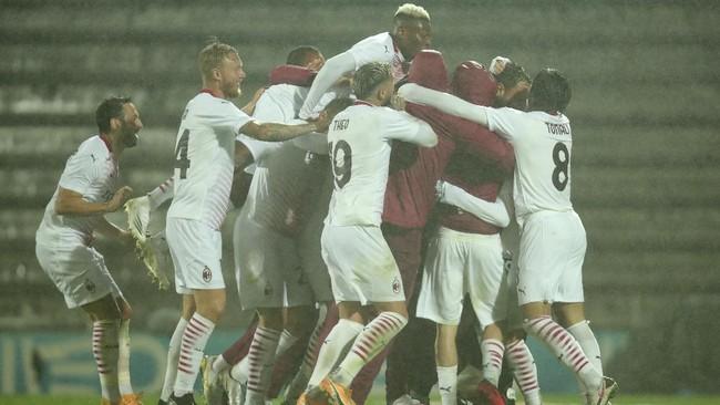 Rio Ave vs AC Milan pada playoff Liga Europa harus diakhiri dengan adu penalti 24 tendangan.