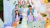 <p>Sekali lagi, selamat ulang tahun Baby Koa, semoga tumbuh menjadi anak yang baik dan sehat ya. (Foto: Instagram @stefannwilliam) </p>