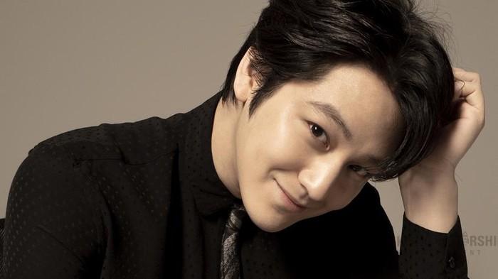 10 Fakta Menarik Aktor Tampan Kim Bum yang Harus Kamu Tahu!