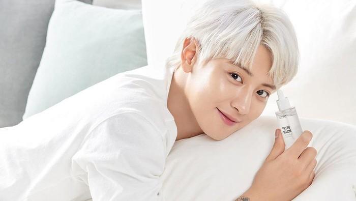 6 Selebriti Korea Pria Jadi Model Hingga BA Produk Kecantikan