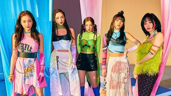Hanya Untuk Idol Kpop, Fashion Item Ini Akan Aneh Jika Dipakai Orang Umum