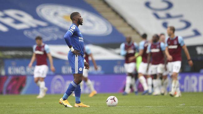 Leicester City menjadi salah satu tim kuda hitam Liga Inggris yang terpeleset usai menderita kekalahan 0-3 dari West Ham United.